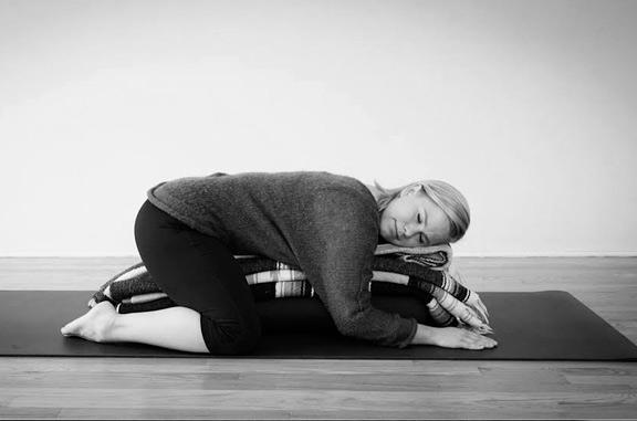yoga restaurativo suave